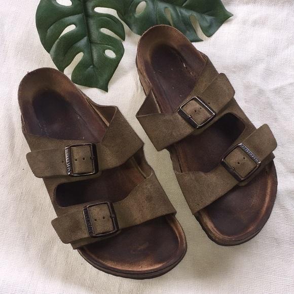 a9dbb2d7da73 Birkenstock Shoes - Birkenstock leather sandal Sz 40